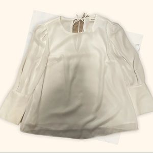 Small White Essue Long Sleeve Blouse